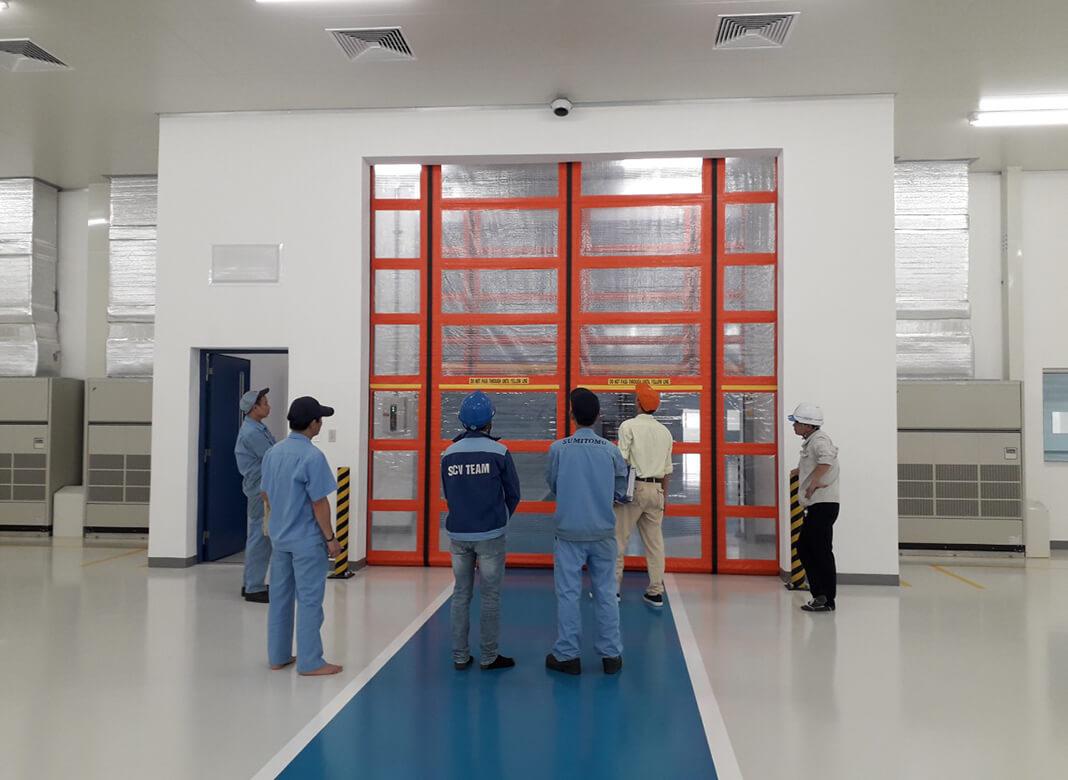 Khách hàng của CUV lắp đặt cửa cuốn Rollway cho nhà xưởng
