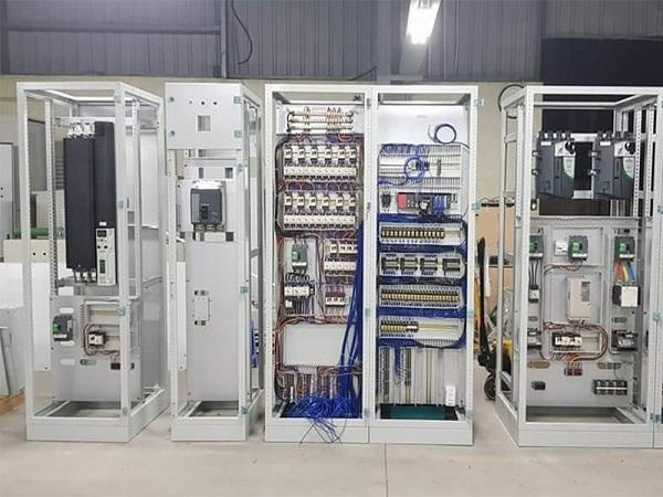Trọn bộ tủ điện - điều khiển